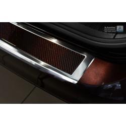 Ochranná nerezová lišta prahu piatych dverí (chróm / červeno-čierny carbon) VW Passat B8 2014 -