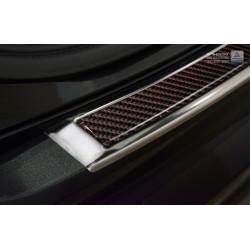 Ochranná nerezová lišta prahu piatych dverí (chróm / červeno-čierny carbon) XC90 2015 -