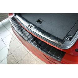 Ochranná nerezová lišta prahu piatych dverí (čierna) Audi Q5 2008 - 2016