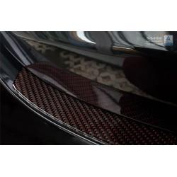 Kryt prahu piatych dverí (červeno-čierny carbon) Mercedes E-Class W213 Sedan 2016 -