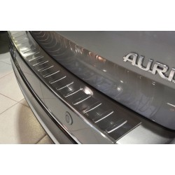 Ochranná nerezová lišta prahu piatych dverí Toyota Auris II Touring Sports 2013 -