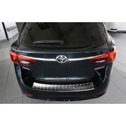 Ochranná nerezová lišta prahu piatych dverí Toyota Avensis III Kombi 2015 -