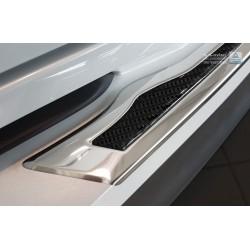 Ochranná nerezová lišta prahu piatych dverí (chróm / čierny carbon) Toyota C-HR 2016 -