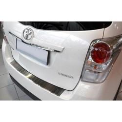Ochranná nerezová lišta prahu piatych dverí Toyota Verso 2013 -